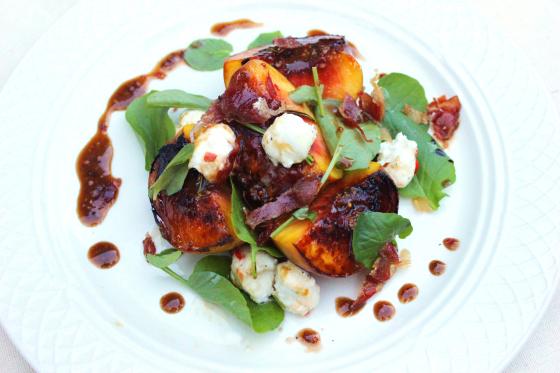 seared-peach-ciliegine-salad-4