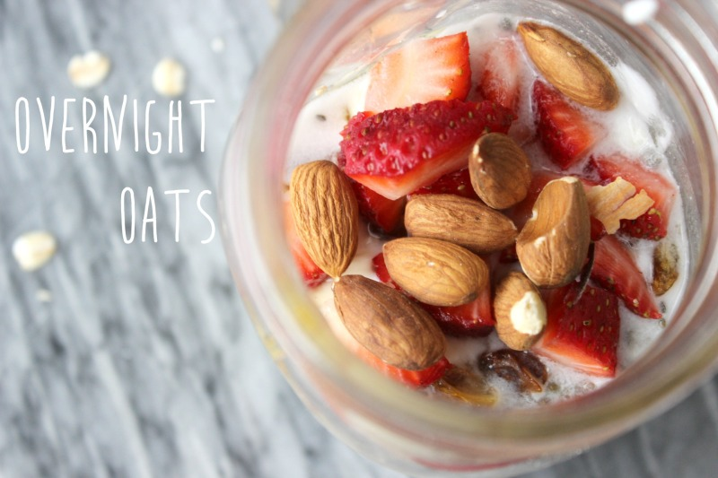 overnight oats, oatmeal, cold oatmeal, almonds, strawberries, yogurt, mason jar